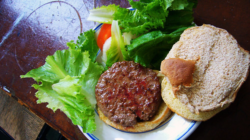 漢堡... (by Roca Chang)
