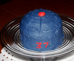 Jon's mom made Jon a Minnesota Twins hat cake