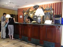 Recepción del Hotel Reina Isabel