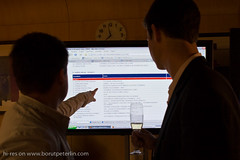 Screen with election results on Parlamentarial elections 2008 in Slovenia._3090
