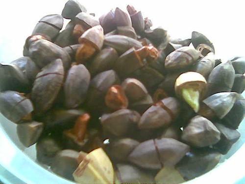 Chopped dabai seeds