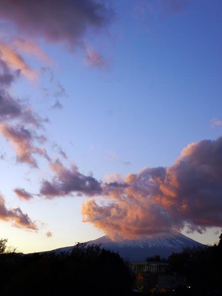 御殿場プレミアム・アウトレットからの富士山 3
