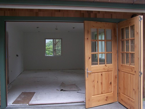 folding garage doors