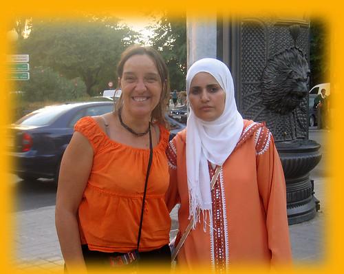 Mujeres de dos culturas