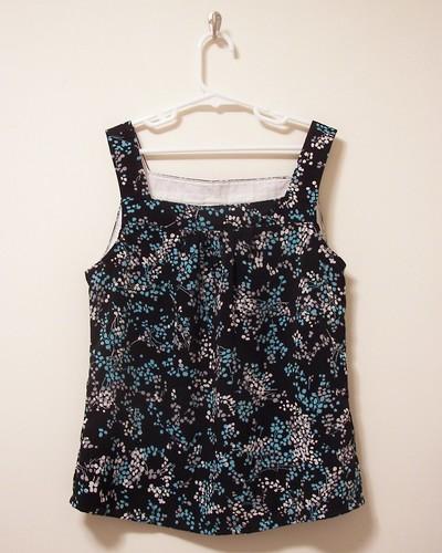 Simplicity 4589 (black floral)