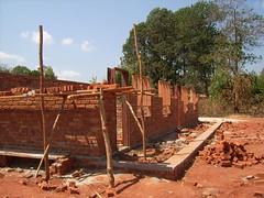 housebuilding in Malawi.JPG