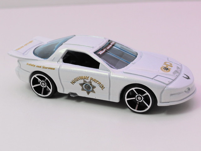 hot wheels pontiac firebird white (2)