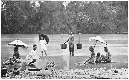 Bathing and Washing in the river laundry Philippine old pictures photograph black and white Philippines Buhay Pinoy Filipino Pilipino  people photos life Philippinen