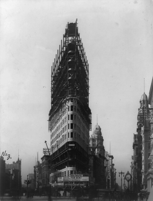 Flatiron Building under construction, New York City, 1902
