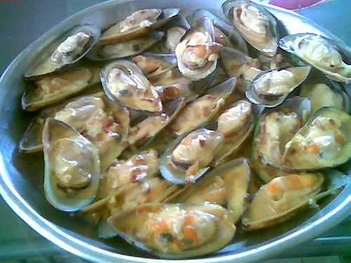 STP's cheesey mussels
