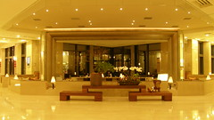 32.飯店大廳的小酒廊