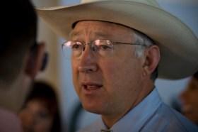 Interior Secretary Ken Salazar at the Democratic National Convention 2008 - Photo: Mike Disharoon/Flickr