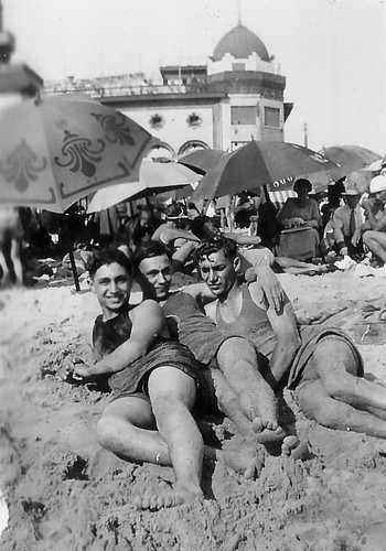 Gruenberg bros at beach.jpg