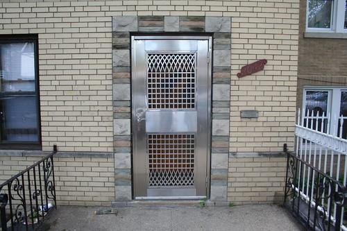 Amazing screen door