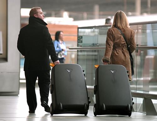 30somethingmom live luggage 2