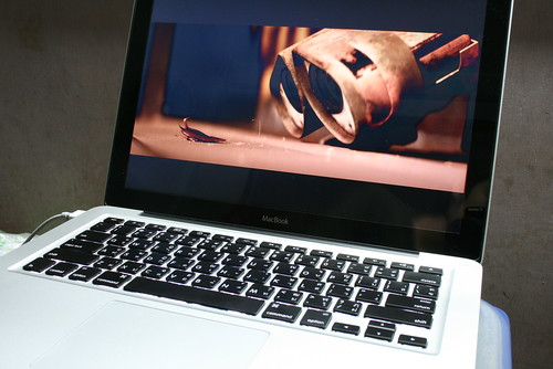 Wall-E in Unibody MacBook