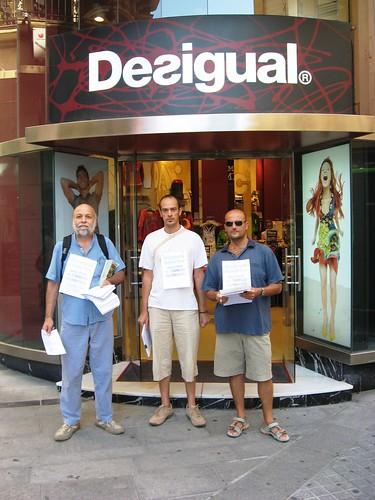 Activistas de la Alianza por el Clima comenzando censo tiendas ineficientes
