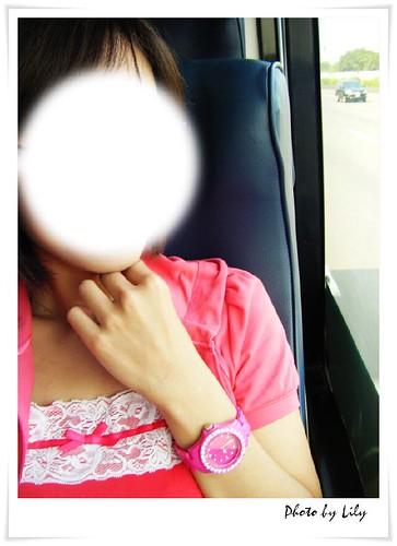遮臉的樂高錶實戴照。