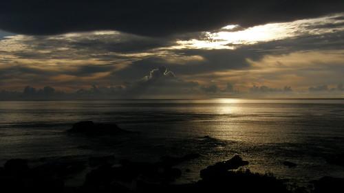 52.金黃的日出灑落海面 (7)
