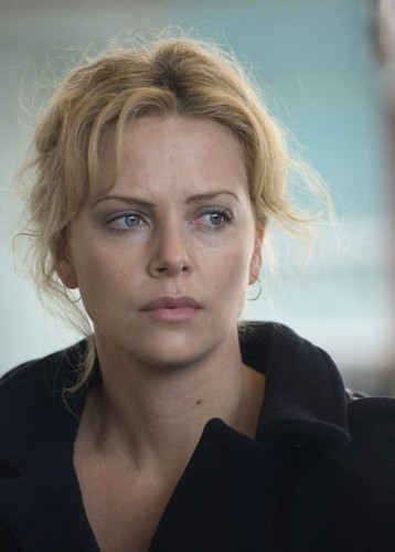 charlize-theron-e-tra-i-protagonisti-del-film-the-burning-plain da te.