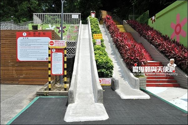 《遊記》2011兒童育樂中心騎馬樂 @ 魔鬼甄與天使嘉 :: 痞客邦