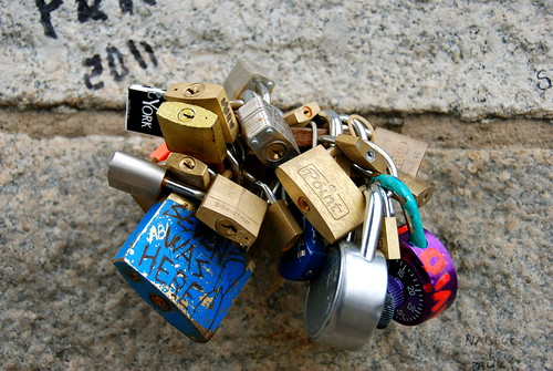 Love locks again
