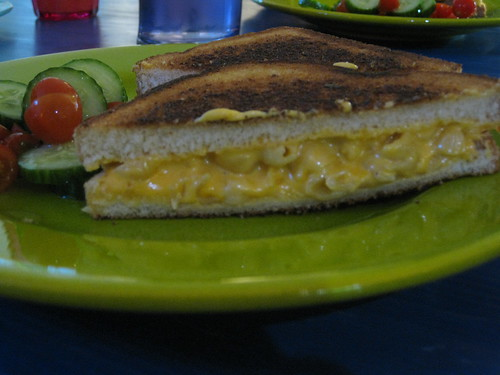 Grilled Macaroni & Cheese Sandwich