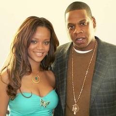 Rihana y Jay-Z posando para los premios Ciencia e Historia Divertida (CiHiDi)
