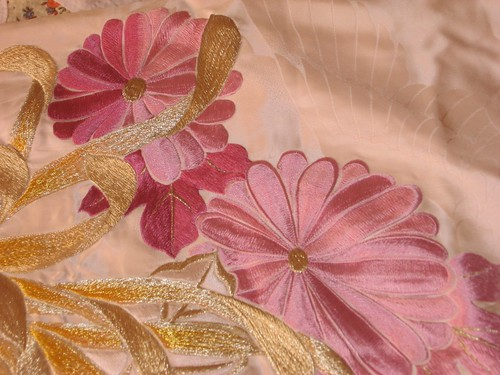 100% pure silk embroidered uchikake wedding kimono