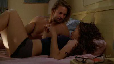 Kate y Sawyer retozando