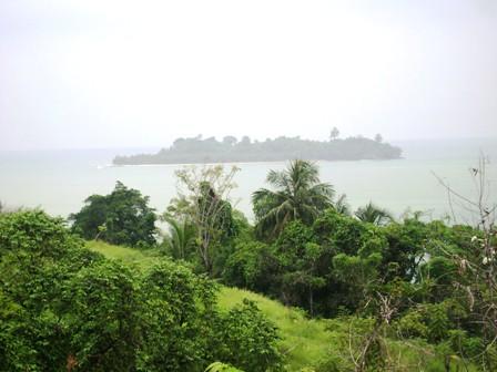 View Pulau Pisang Besar dari atas bukit