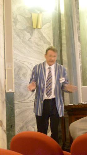 Hans-Paul Schwefel during his keynote speech (picture taken by JJ)