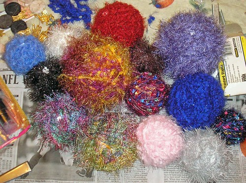 Yarn ornaments (9)