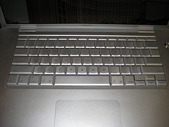 MacBookProearly2008-keyboard