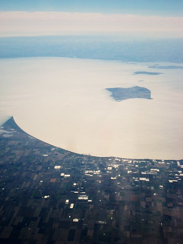 plane ride: lake erie 1