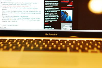 Crisp and Clear LED backlit screen