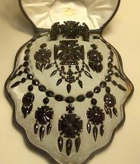 Set jewellery 19c