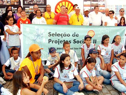 Diretores da Shell anunciam a abertura de inscrição para seleção do II Projeto Social