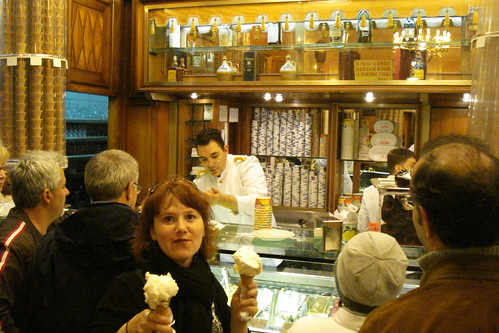 Braving the crowd for gelato