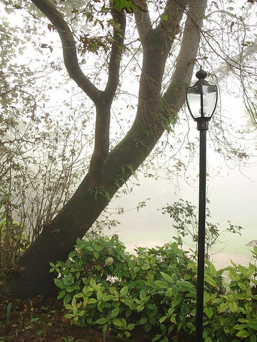 And old English lampost...