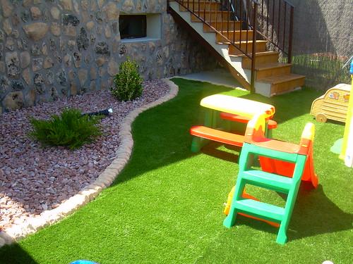 jardin combinado, césped artificial