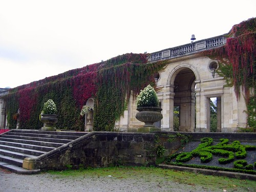 Entryway to one of the gardens in Bordeaux.