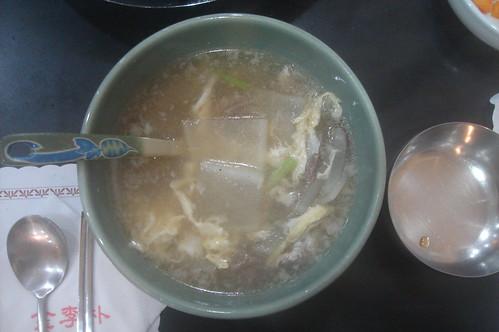 燉牛肉蘿蔔湯