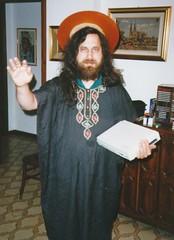 Stallman en su personaje de SanIGNUcio de EMACS