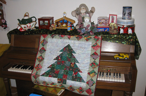 Tree Quilt and Decorations