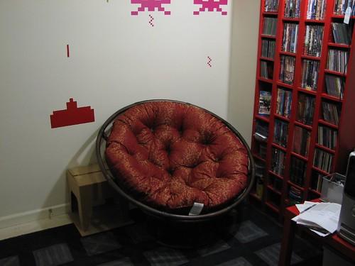 keith's new papasan chair