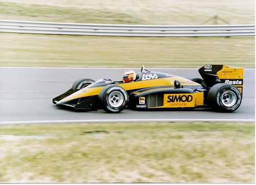 Adrian Campos nos seus tempos de Minardi no fim dos anos 80