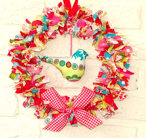 Fabric wreath with birdie1