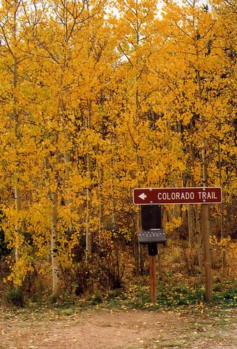 Kenosha Pass, Signs