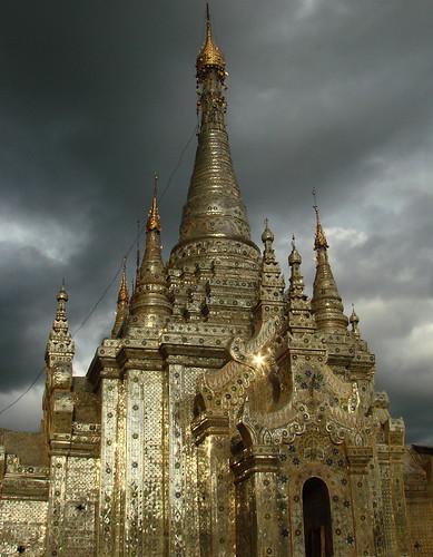 Pagoda en Nyaungshwe.